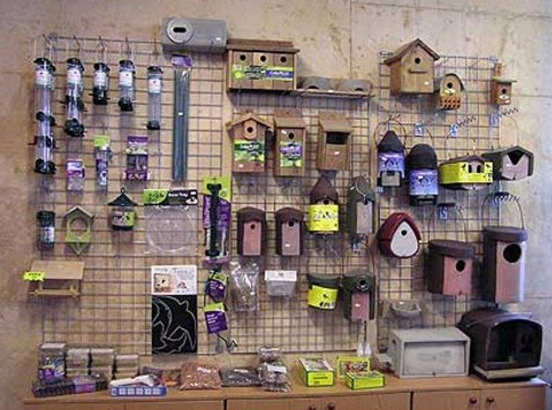 Grefa cajas nido y comederos para aves silvestres for Casa y jardin tienda madrid
