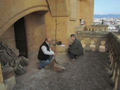 Our colleages of GREFA in Cordoba, making measurements of the terrace where the hacking will be placed.